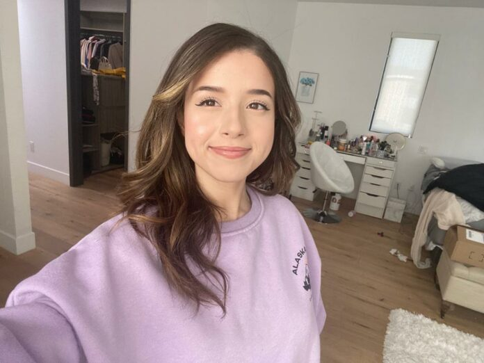Pokimane signed with Twitch
