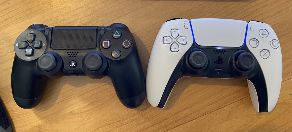 Comparaison des contrôleurs PS5 DualSense